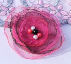 Brož - tmavě růžovočerná